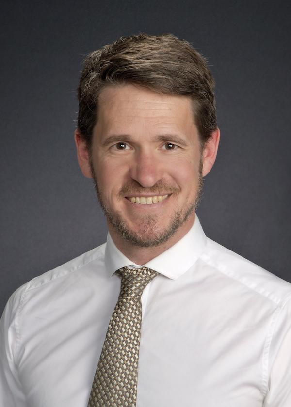 Dr. Paul Carr